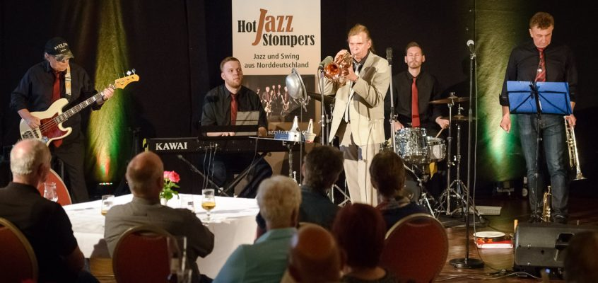 Hot Jazz Stompers und Startrompeter Norbert Susemihl in Cloppenburg